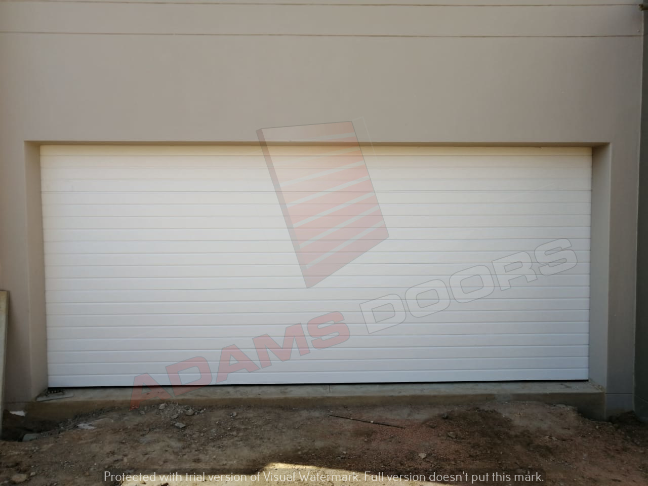 Double white contemp door 1